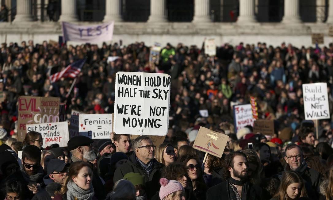 Em Londres, manifestantes foram à Trafalgar Square, no centro da capital britânica, para protestar contra Donald Trump Foto: NEIL HALL / REUTERS