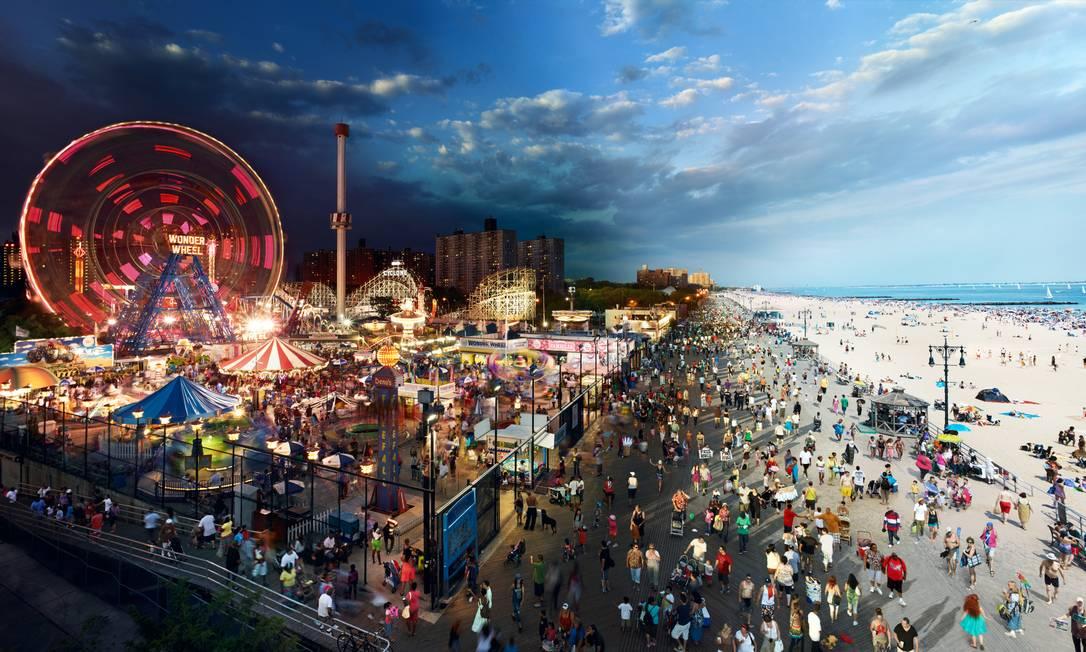 """Uma das primeiras imagens feitas por Stephen no projeto """"Day to night"""" foi em Coney Island, em 2011: """"Muitas vezes não fazemos ideia de como os lugares mudam completamente entre o dia e a noite"""", diz ele Foto: Stephen Wilkes"""