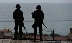 Agentes da Força Nacional reforçam o patrulhamento nas ruas de Natal Foto: ANDRESSA ANHOLETE / AFP
