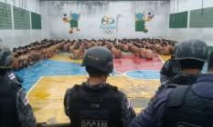 Policiais fazem vistoria no Complexo Penitenciário Anísio Jobim Foto: Divulgação Seap