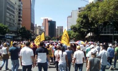 Manifestantes vão a protesto convocado pela oposição venezuelana em Caracas Foto: Reprodução/Twitter Unidad Venezuela