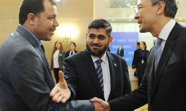 Negociadores do processo de paz sírio se encontram em Astana Foto: ILYAS OMAROV / AFP