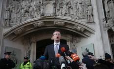 Procurador-geral Jeremy Wright faz comunicado após decisão sobre a exigência da aprovação do Parlamento para o Brexit. Foto: DANIEL LEAL-OLIVAS / AFP