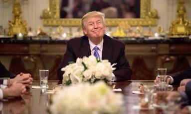 Presidente Donald Trump durante reunião com líderes do Congresso, na Casa Branca Foto: NICHOLAS KAMM / AFP