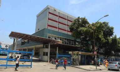 A fachada do Hospital municipal Souza Aguiar, no Centro Foto: Fabiano Rocha / Extra / Agência O Globo