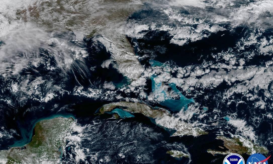 Uma das imagens mostra a região do Caribe vista com a câmera de alta resolução do novo satélite Foto: Nasa/Noaa