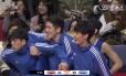 Jogadores do banco de reservas participam do 'Mannequin Challenge' na Liga Coreana de Basquete Foto: Reprodução de vídeo