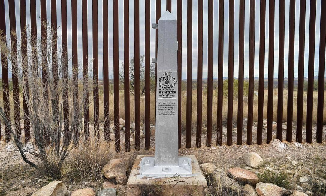 Vista da fronteira na comunidade de Sasabe, no estado de Sonora, México Foto: ALFREDO ESTRELLA / AFP