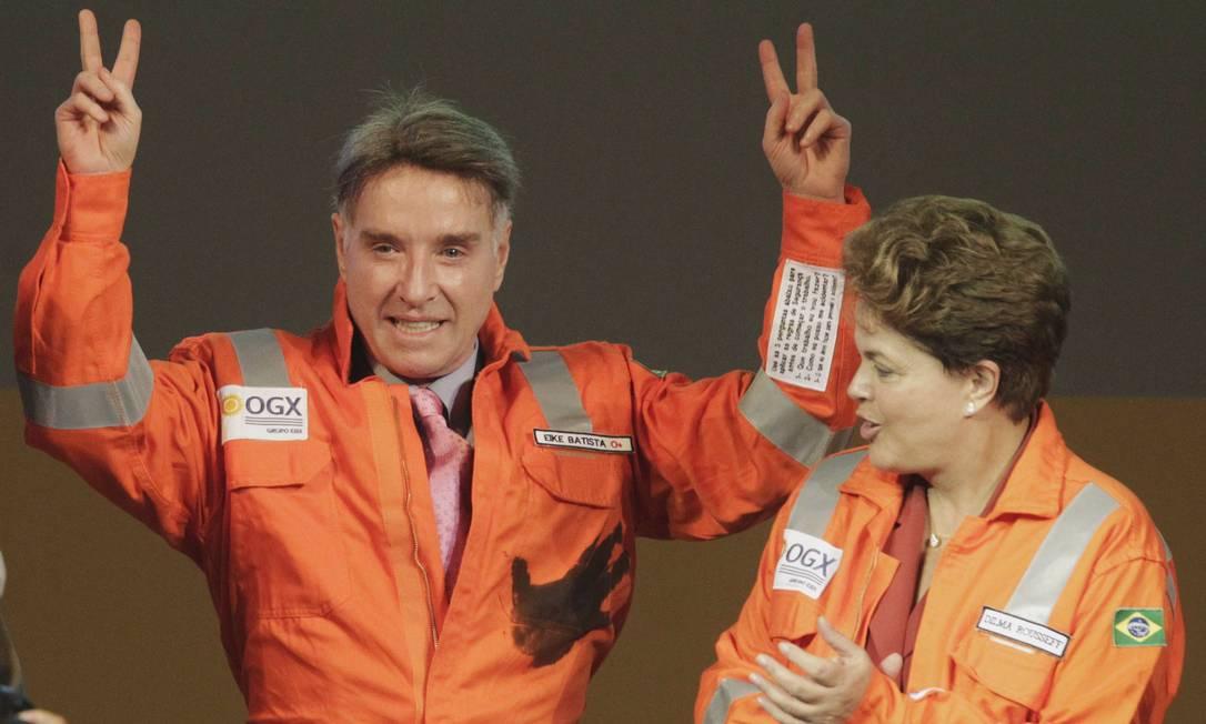 Em 2012, Eike comemora ao lado de Dilma Rousseff o início da produção de óleo da OGX, sua petrolifera, que acabou Foto: RICARDO MORAES / Reuters