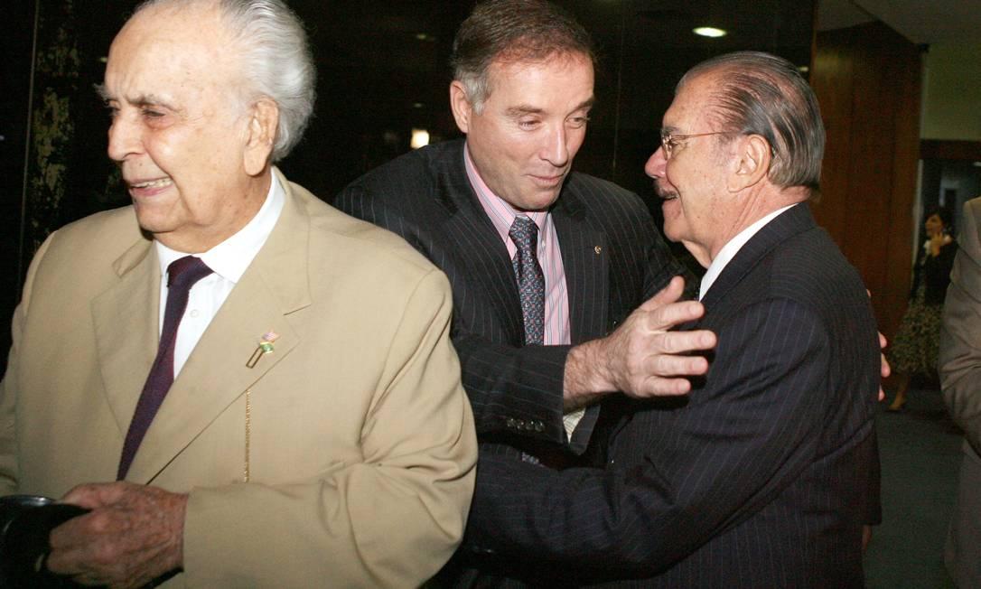 Em 2009 Eike é recebido pelo presidente do senado,José Sarney acompanhado de seu pai, Eliezer Batista Foto: Ailton de Freitas / Agência O Globo