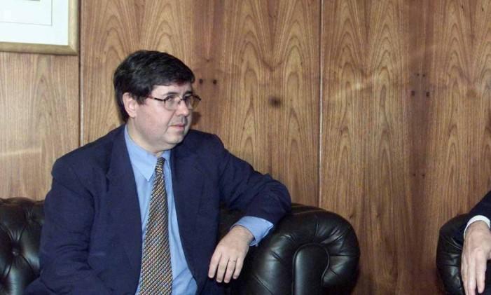 O procurador Luiz Antonio Marrey se reúne com o procurador-geral da Républica, Geraldo Brindeiro Foto: Givaldo Barbosa / Agência O Globo/25-06-2002
