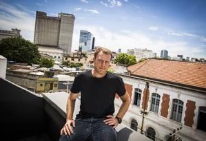 Co-fundador da SuperUber, Russ Rive vivenciou todas as transformações feitas na região Foto: Bárbara Lopes / Agência O Globo