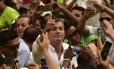 Cabo eleitoral incerto. Correa em meio à multidão em Guayaquil: viagem ao exterior para não prejudicar vice