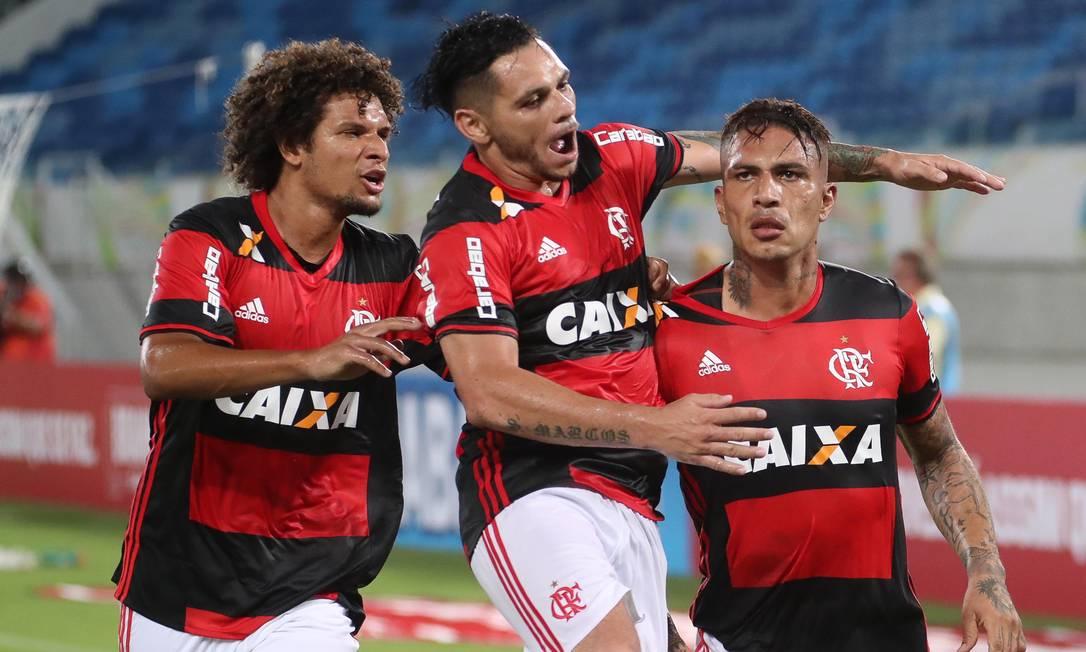 Guerrero comemora um de seus gols na vitória do Flamengo sobre o Boavista Foto: Gilvan de Souza/Divulgação Flamengo