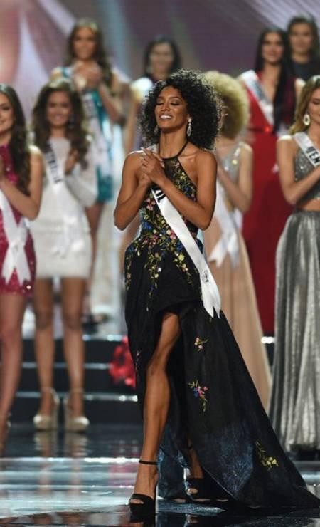 A brasileira Raissa Santana no palco. A representante do Paraná foi a primeira negra a representar o Brasil no mundial após 30 anos desde Deise Nunes Foto: TED ALJIBE / AFP