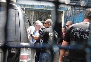 Chegada de Eike Batista no presidio Ary Franco em Agua Santa Foto: Guilherme Pinto / Agência O Globo