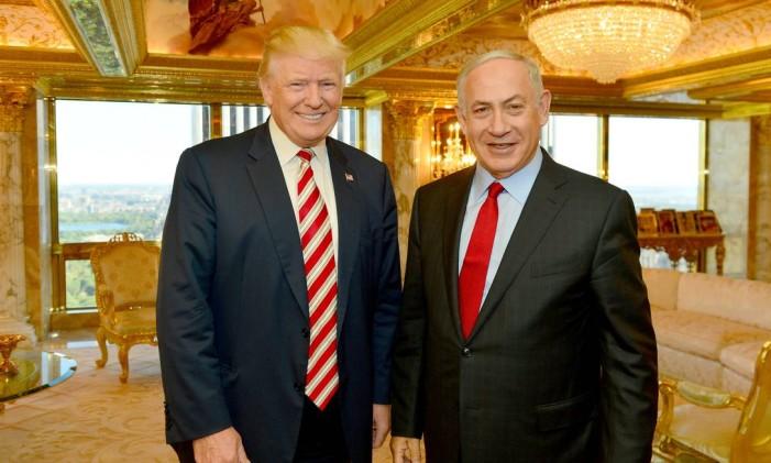 Netanyahu e Trump se encontram na Trump Tower, em 2016 Foto: HANDOUT / REUTERS