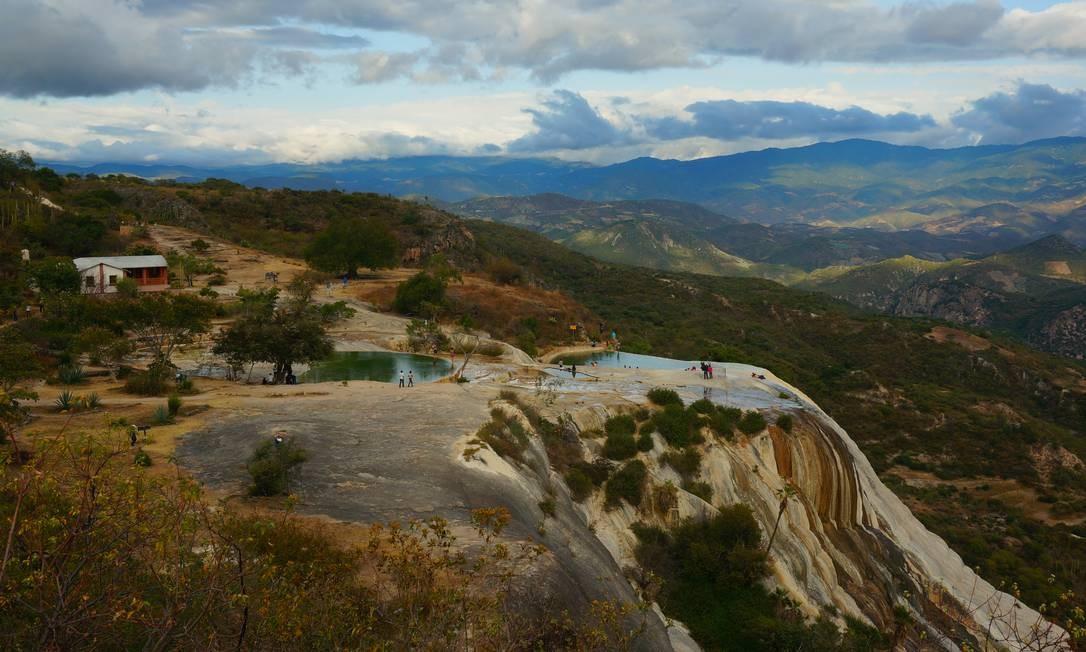 Hierve el Agua: acima de duas cachoeiras petrificadas, espelhos d'água fazem a alegria dos turistas Foto: Foto: Daniel Laper / Foto: Daniel Laper
