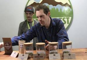 James e Giono Barrett vendem maconha no Alasca Foto: AP