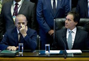 O ministro Eliseu Padilha ao lado do presidente do Senado, Eunício Oliveira Foto: Jorge William / Agência O Globo