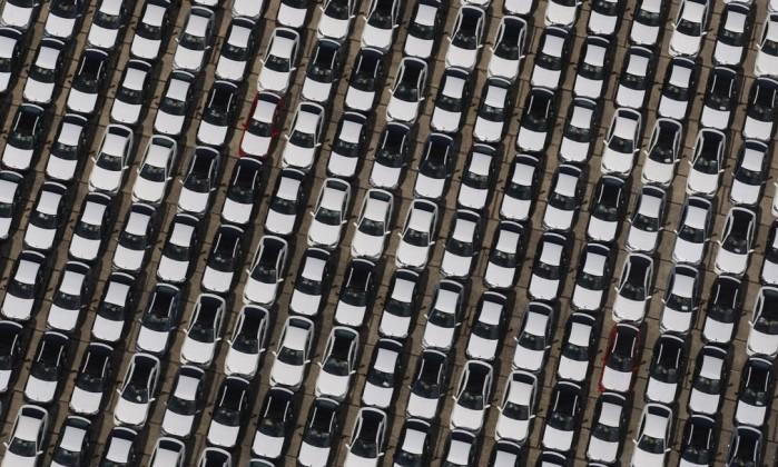 Produção de veículos cai em janeiro, dizem fabricantes
