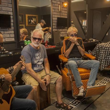 O Grupo Best Friends, formado por Paulo Cesar Andrade, Alexandre Reis e Ivan Brzezinski, é a atração da casa Foto: Analice Paron / Agência O Globo