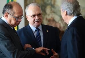 Os ministros do STF, Gilmar Mendes, Edson Fachin e Ricardo Lewandowski Foto: Jorge William / Agência O Globo