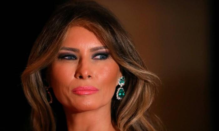 Daily Mail vai indenizar Melania Trump por alegações sobre trabalho como modelo