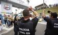 Um grupo de policiais civis começou paralização nesta quarta-feira