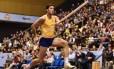 O brasileiro Thiago Braz durante treino em Berlim Foto: THIERRY ZOCCOLAN / AFP