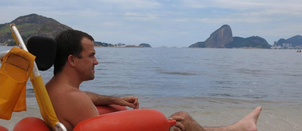 Resultado de imagem para Projeto que garante acesso de cadeirantes ao mar chega a Piratininga