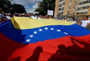 Entre os protestos mais recentes, trabalhadores da saúde foram às ruas pedir por melhores condições de trabalho Foto: FEDERICO PARRA / AFP