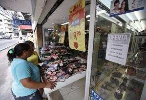 Comércio em Vitória já começa a dar sinal de que o pior já passou na capital capixaba. Foto: Pablo Jacob / O Globo
