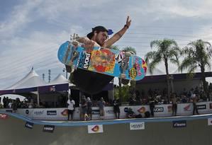 Pedro Barros decola no Parque Madureira: concorrente ao Laureus na categoria de esportes radicais Foto: Divulgação