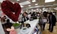 Loja em Tóquio vende chocolates para o Dia dos Namorados