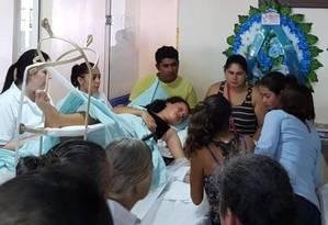 Única sobrevivente de acidente de carro, Valeria se despede da família com amparo médico Foto: Amanda Lima / Rádio Missioneira