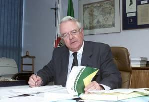 O ex-ministro do STF e ex-presidente do TSE Carlos Velloso Foto: Ailton de Freitas/ Agência O GLOBO 13.08.2001