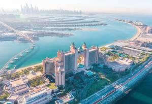 No hotel Atlantis The Palm, em Dubai, Sergio Cabral e a mulher gastaram ao menos R$ 162 mil para dez dias de estadia Foto: Reprodução internet