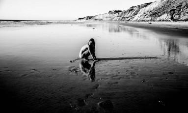 Nu: Black's Beach, San Diego, Califórnia Foto: Olivia Nachle / Ser Água