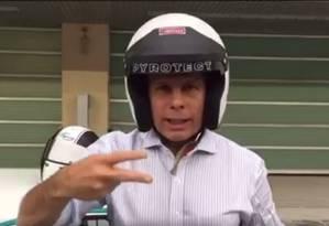 O prefeito de São Paulo, João Doria, testa carro de corrida em Abu Dhabi Foto: Reprodução/ Facebook João Doria