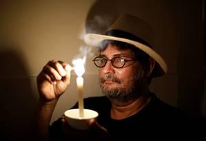 O jornalista Luis Carlos Taveira reclama que a Light nunca resolveu o problema Foto: Fabio Rossi / Agência O Globo