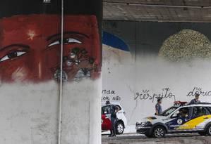 São Paulo 24/01/2017 - Operação cidade linda do prefeito de São Paulo, João Doria apaga grafites na Av. 23 de Maio. Foto: Edilson Dantas / Agência O Globo