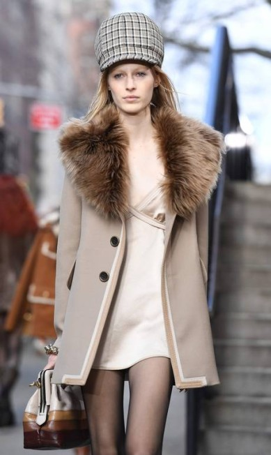 Marc Jacobs outono-inverno 2017 ANGELA WEISS / AFP