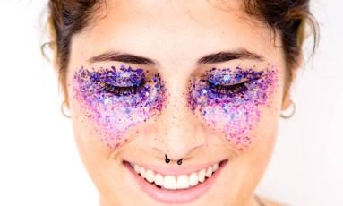 O glitter da Pura.bioglitter Foto: Julia Assis Fotografia / Divulgação