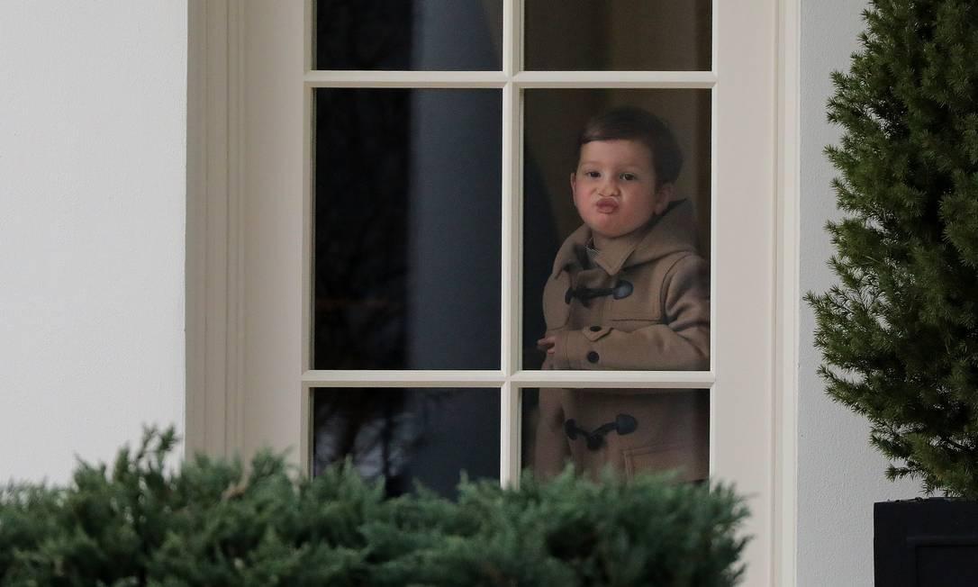 Aos 3 anos, Joseph é filho de Ivanka Trump e Jared Kushner CARLOS BARRIA / REUTERS