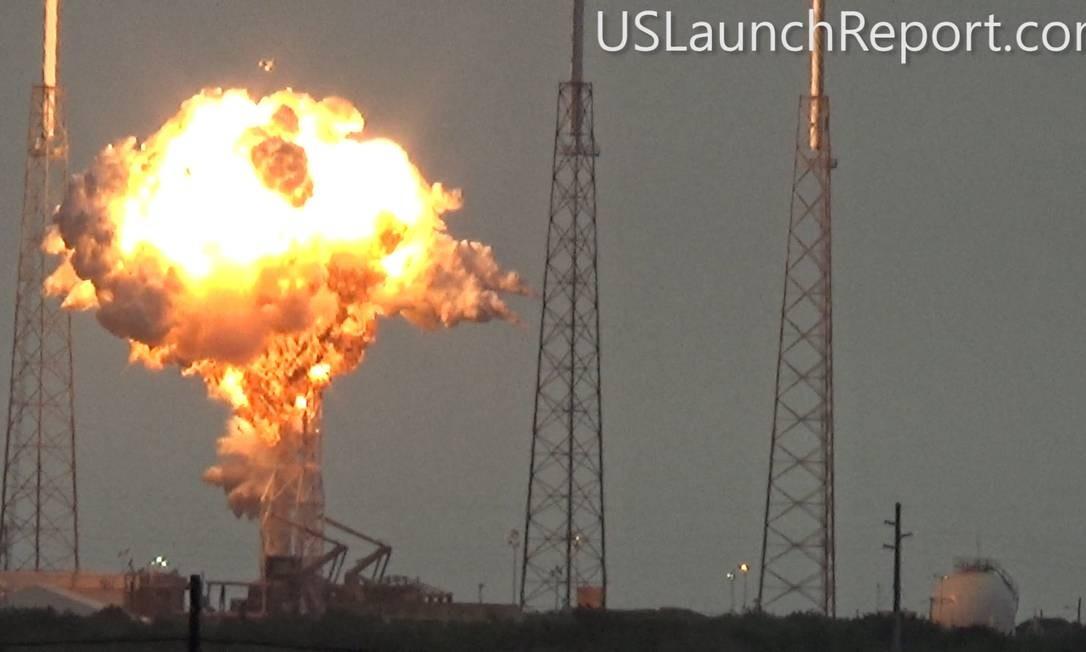 Flagrante da explosão do foguete Falcon 9, da SpaceX, na plataforma de lançamento em setembro último: confiança no equipamento Foto: Reprodução/US Launch Report