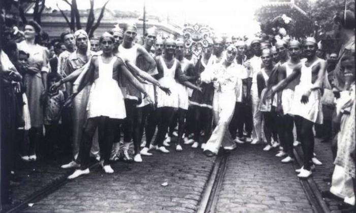 Bloco carnavalesco dos anos 1950 Foto: Manoel Fonseca / Arquivo/Manoel Fonseca/Coleção da Fundação de Arte de Niterói