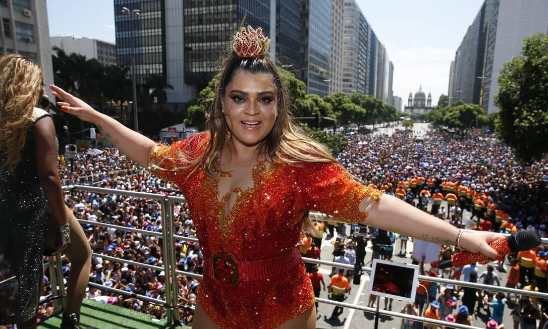 Preta Gil comanda maior bloco do pré-carnaval às 11h no Centro