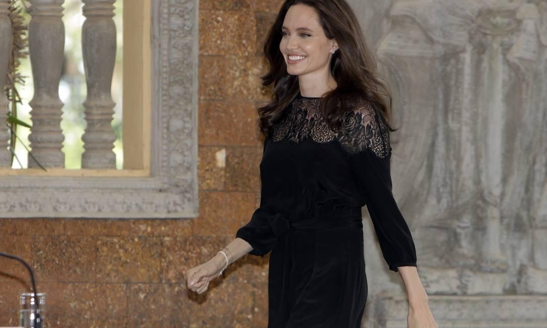 Para a ocasião, ela escolheu um vestido preto discreto Foto: Heng Sinith / AP