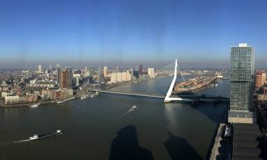 Vista da cidade de Rotterdam, uma das principais economias da Holanda Foto: Peter Dejong / AP